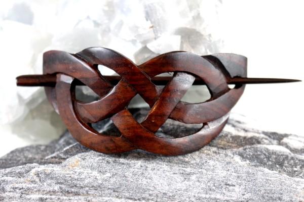 Haarspange aus Holz mit keltischem Knoten