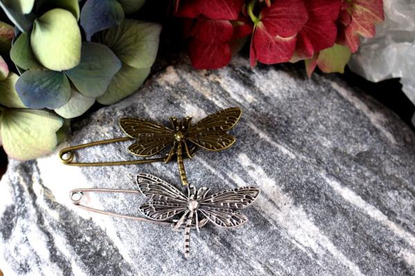 DRAGONFLY Bronzene Tuchnadel aus Metall